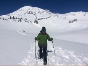 Snowshoeing (400x302)