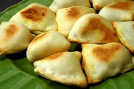 (VEGAN/VEGETARIAN RECIPES) Try these potato and pea samosas for an appetizer.