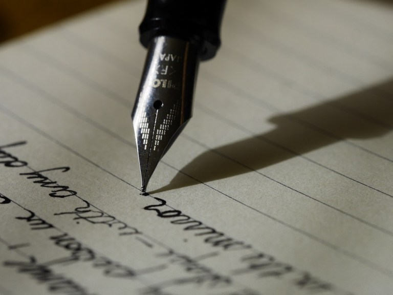 Here you know about How to learn web copywriting writing?