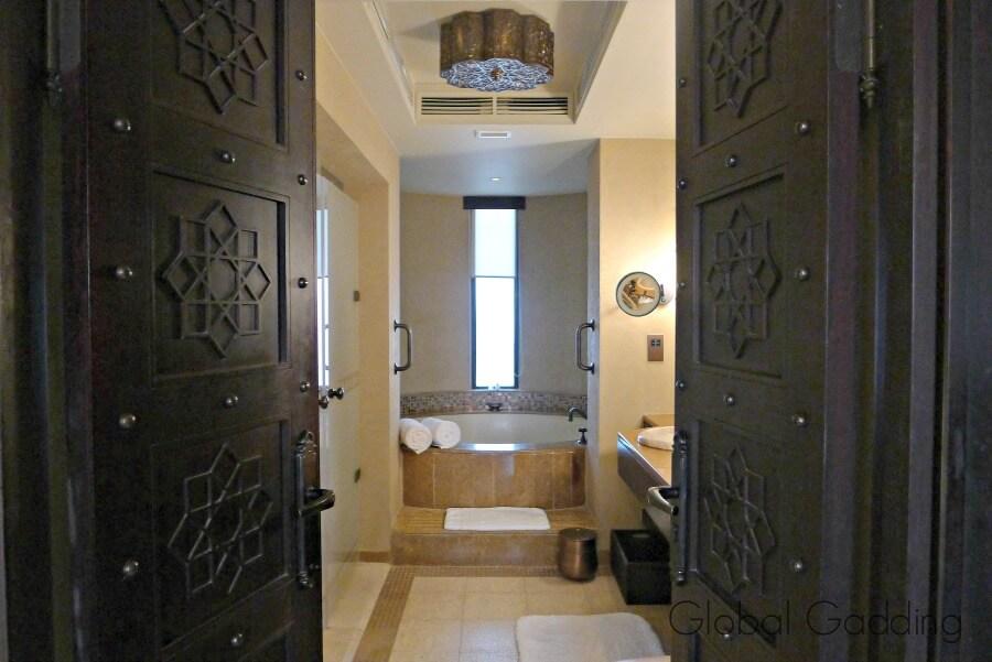 bathroom qasr al sarab resort