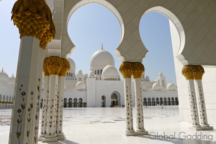 pillars of inner courtyard mosque abu dhabi