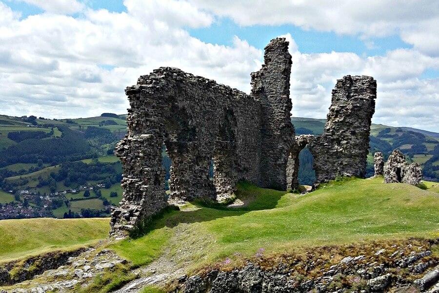 castell dinas bran ruins