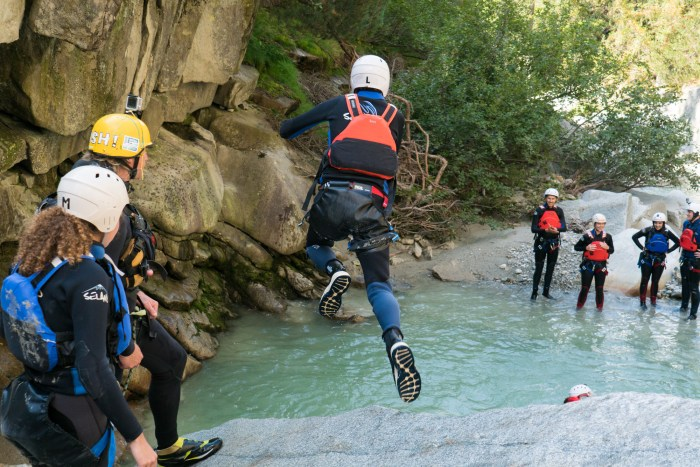 grimsel_canyoning_interlaken_switzerland-37