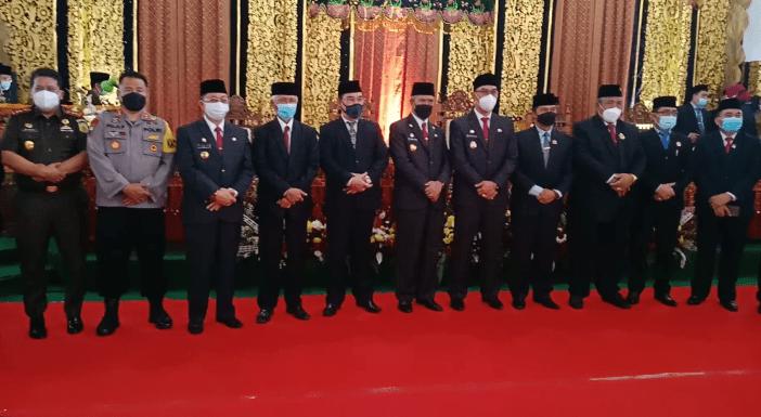 Foto Bupati dan Wakil Bupati Rejang Lebong Drs.Syamsul Efendi, M.M. dan Hendra Wahyudiansyah, S.H. Bersama Mantan Bupati dan Wakil Bupati Rejang Lebong Priode 2016 -2020 dan Unsur Forkopimda
