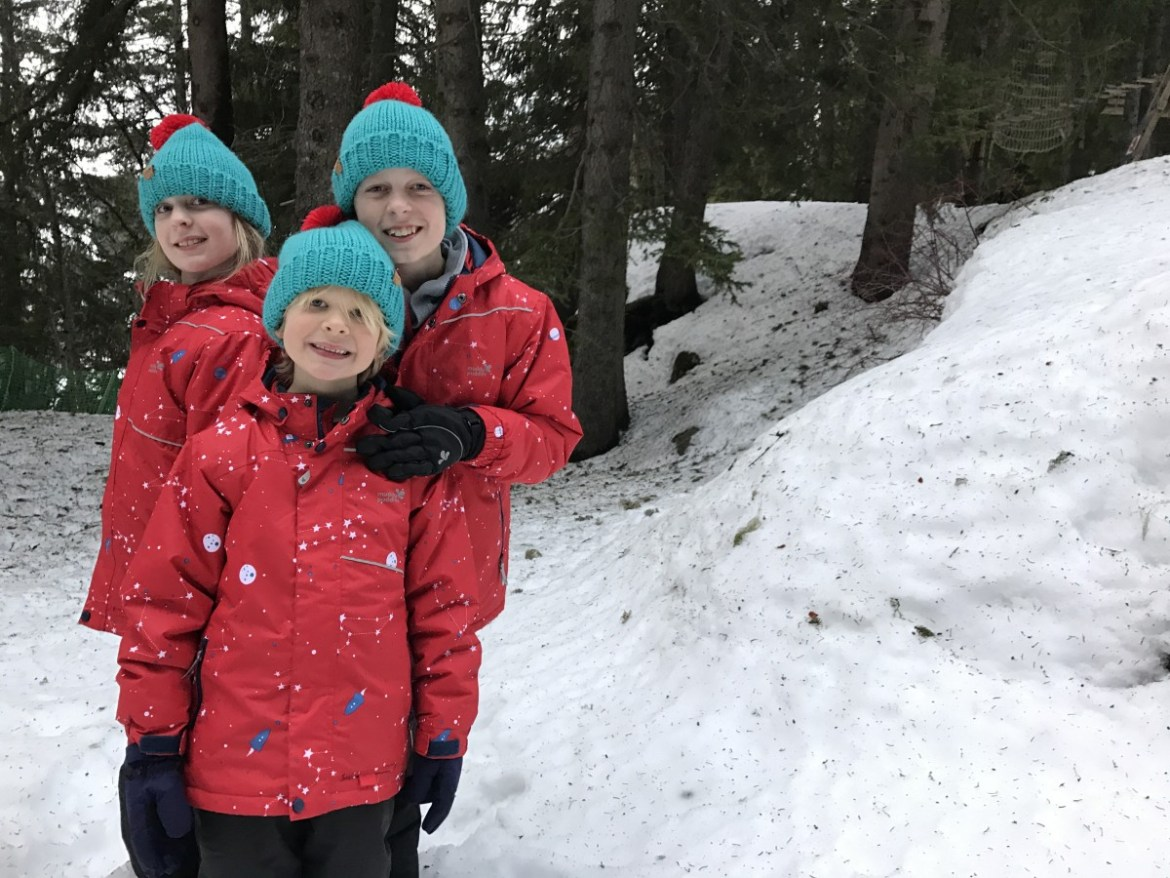 44ea89427 Winter fun with Muddy Puddles in the French Alps 2018 - Globalmouse ...