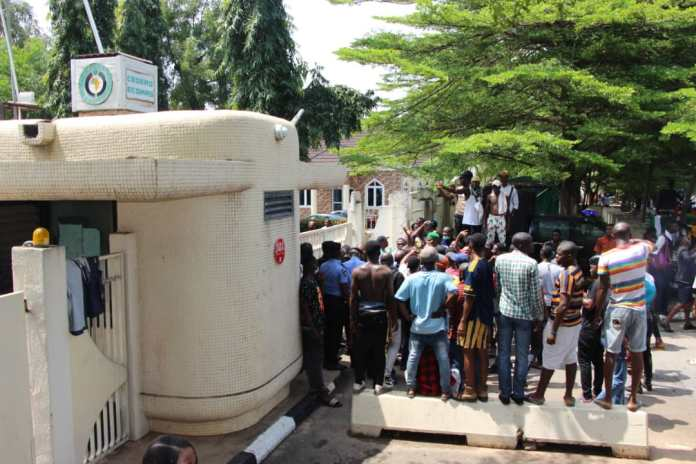 ECOWAS Commission's Gate In Abuja Besieged By EndSARS Protesters