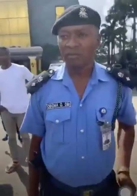 Nigerian Police Starts Disciplinary Action Against Owerri DPO Who Punched #EndSARS Protester