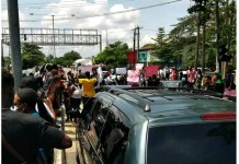 Over 1,000 Endsars Protesters Block Calabar Roads And Streets