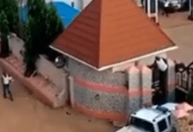 Video Of A Police DPO Trying To Run Into A Hotel After His Station Got Burnt In Ebonyi