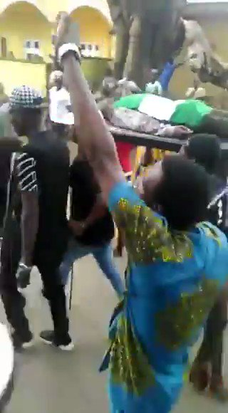 Video Of Angry Protesters Storming Edo Government House With Bodies Of Youths Killed