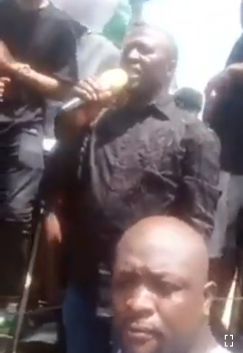 Video Of How CSP Rabiu Garba Saved His Station When Hoodlums Came To Burn It