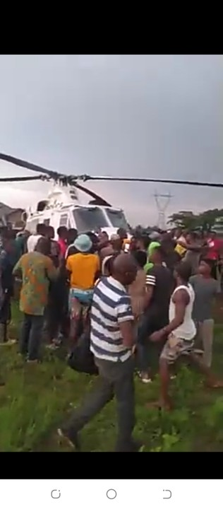 Video Of Police Helicopter Seized By Protesters In Oluku, Benin City