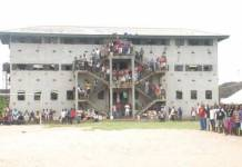 Prisoners at the Okere Correctional Centre Warri Delta State are currently protesting the starvation and lack of food