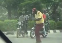Video Of A Lastma Officer Dancing While Carrying Out His Duty Excellently At Ikeja Axis