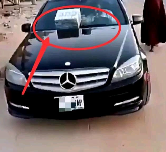 Video Of Mercedes Benz C300 Used In Selling Local Herbs In Kaduna