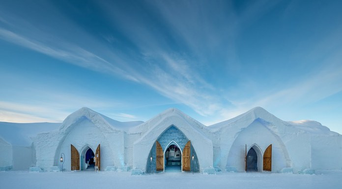 Photos Of Canada Ice Hotel With 15 Suites Including Bar And Wedding Chapel