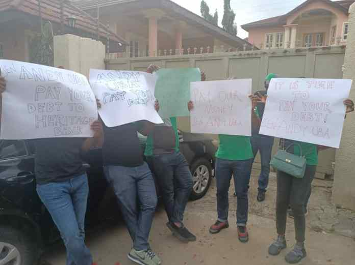 Video of Heritage bank staff at Andy Uba's house, demanding payment of debts