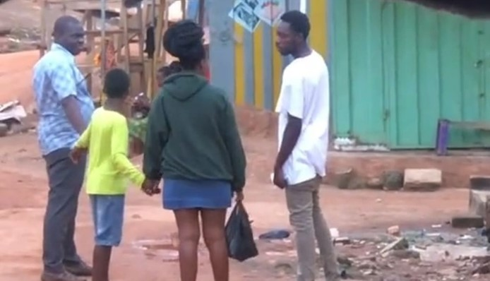 Video Of A Boy Boldly Collecting A Girl's Phone Number In Her Father's Presence