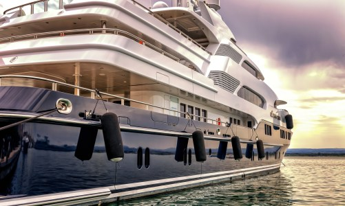 How to Up Your Party Game with a Yacht Rental
