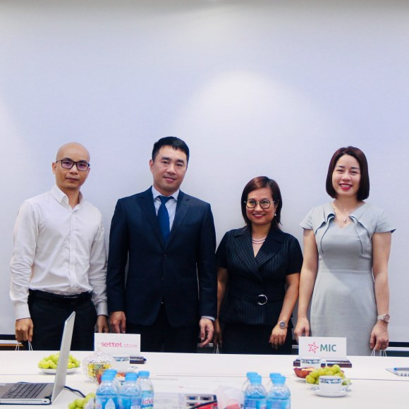 """MIC Insurance and Viettel Store cooperate to launch a new product """"Mobile insurance"""""""