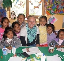 Volunteer with Students at Peru Community Project
