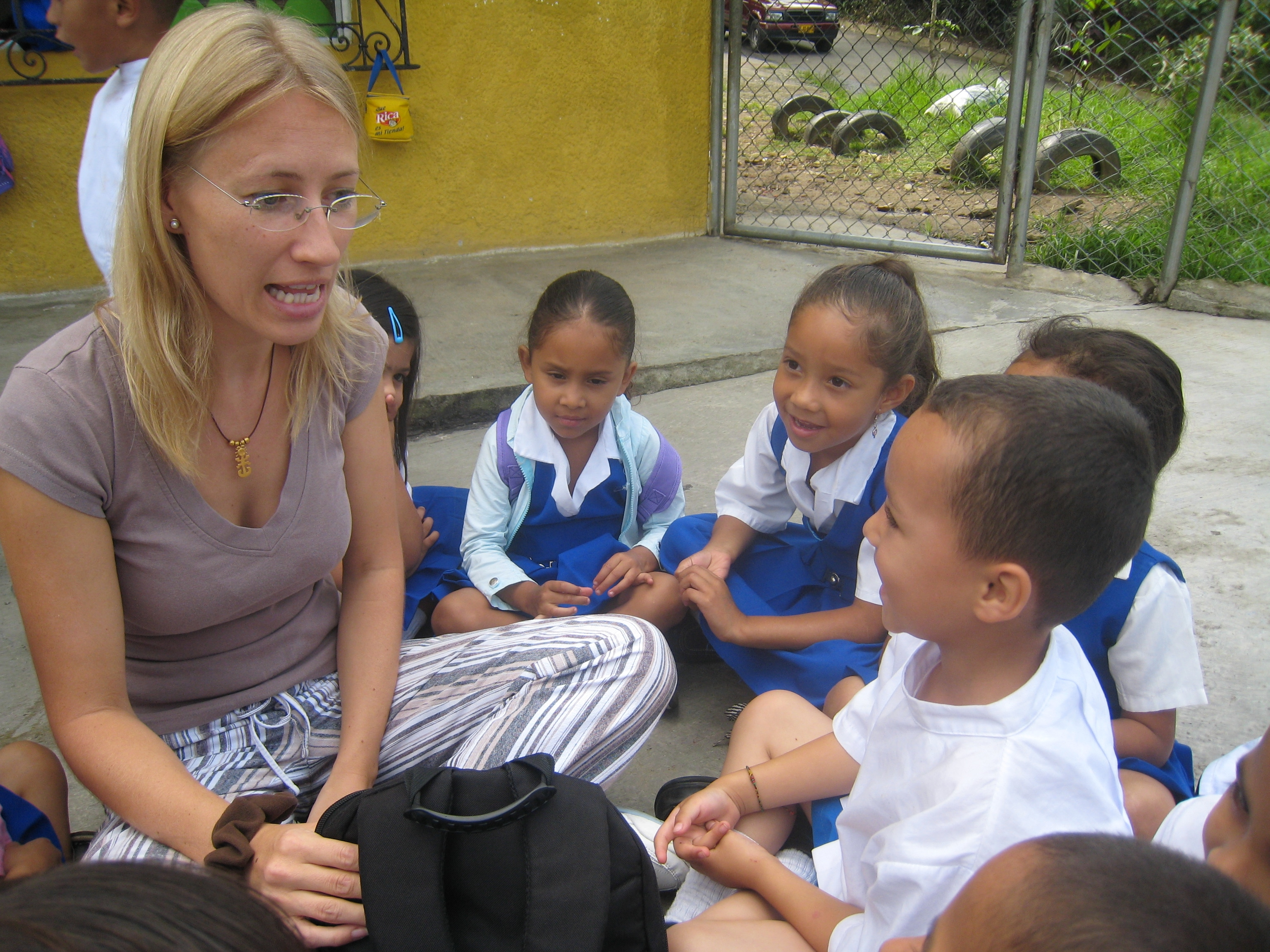 Volunteer at the Colombia Children's Project