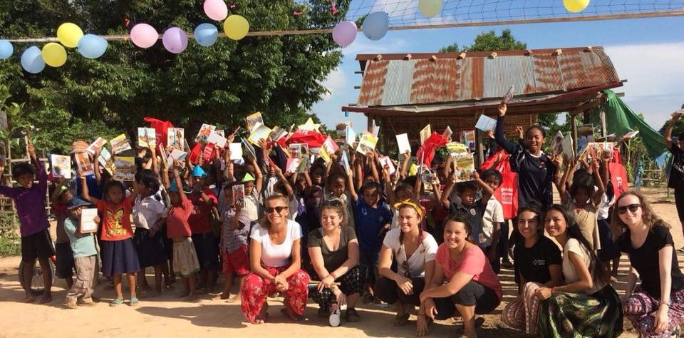 The amazing volunteers with the Cambodian children