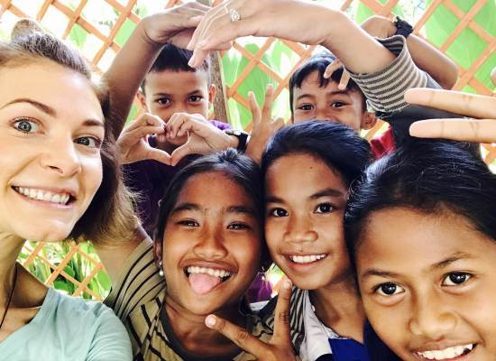 Under 18 School Groups volunteering abroad