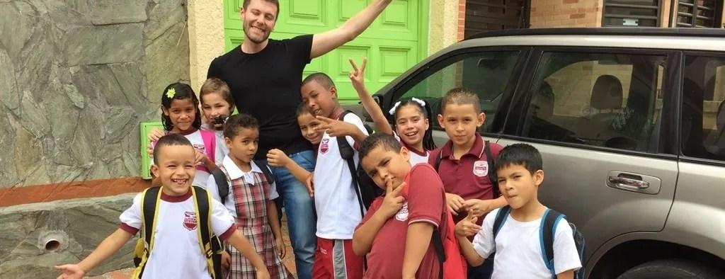 Volunteer to Help kids Colombia