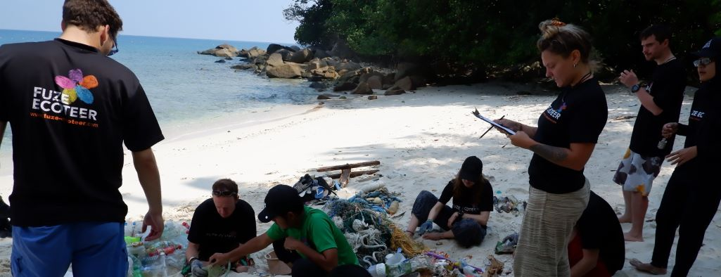 Malaysia Marine Conservation - beach cleanup