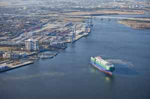Port of Charleston A registered Foreign Trade Zone, the Port of Charleston was a key factor in BMW choosing South Carolina for its manufacturing site. The port now handles the export of 17,000 BMWs per month.