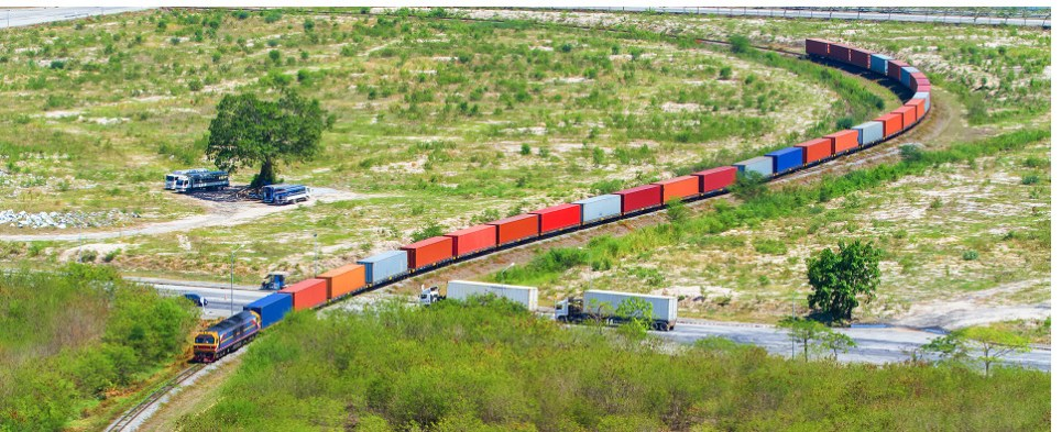 International intermodal movees, increases in shipments of export cargo and import cargo, spurred growth in the U.S.