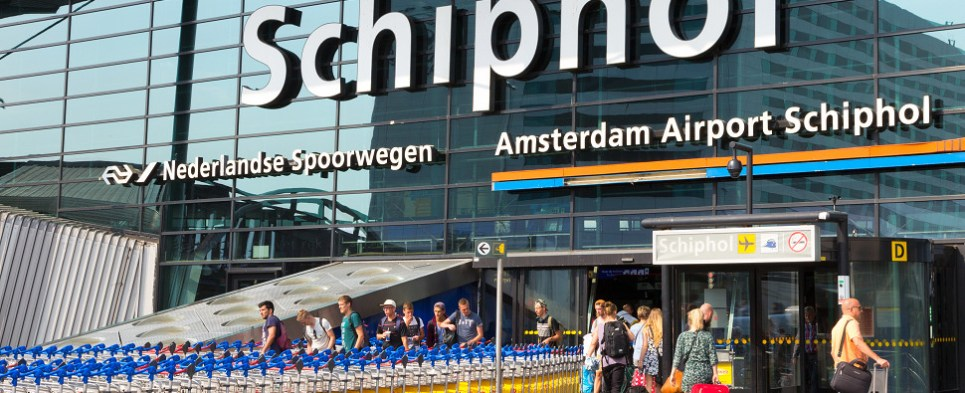 Schiphol Airport handled more shipments of export cargo and import cargo in international trade.