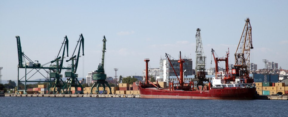 Anaklia port will handle shipments of export cargo and import cargo in international trade.