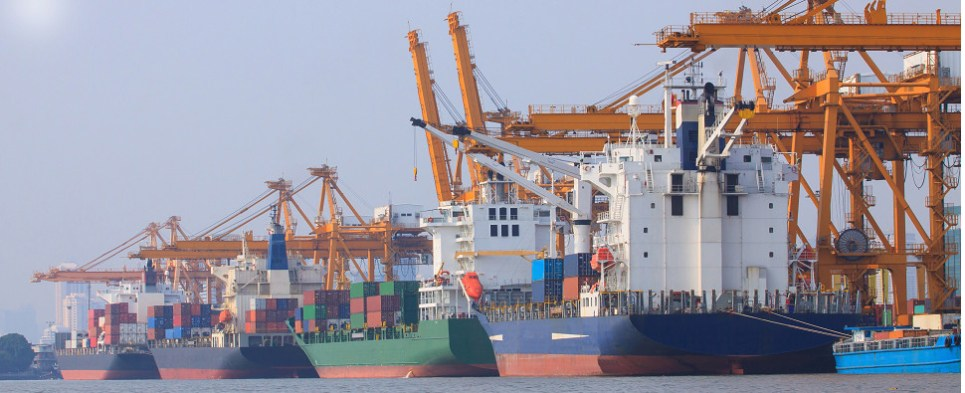 Cloud technology manages rates for ocean shipments of export cargo and import cargo in international trade.
