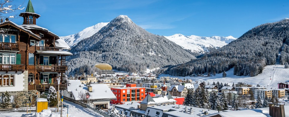 Policies concerning shipments of export cargo and import cargo in international trade were discussed at Davos.