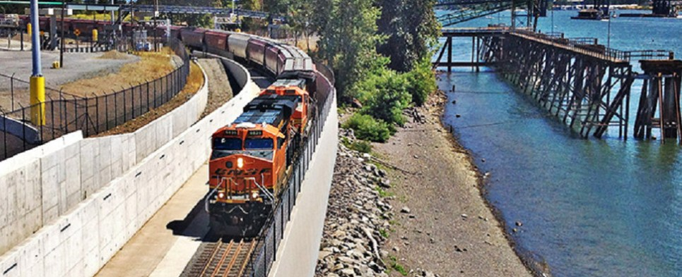 Rail project at port of Vancouver USA will expedite shipments of export cargo and import cargo in international trade.