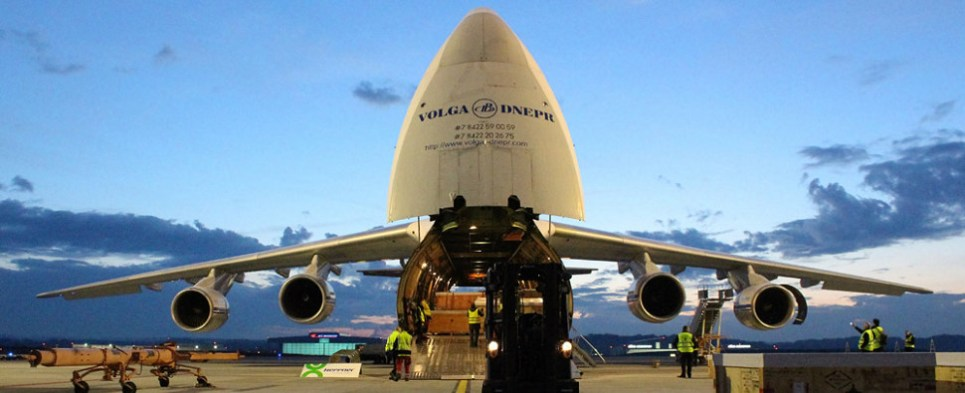 Volga-Dnepr carries oil and gas air shipments of export cargo and import cargo in international trade.