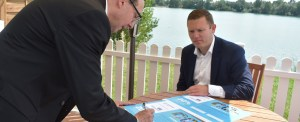 JF Hillebrand And Maersk Line Sign Carbon Pact