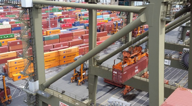 Golden Week may delay shipments of export cargo and import cargo in international trade.