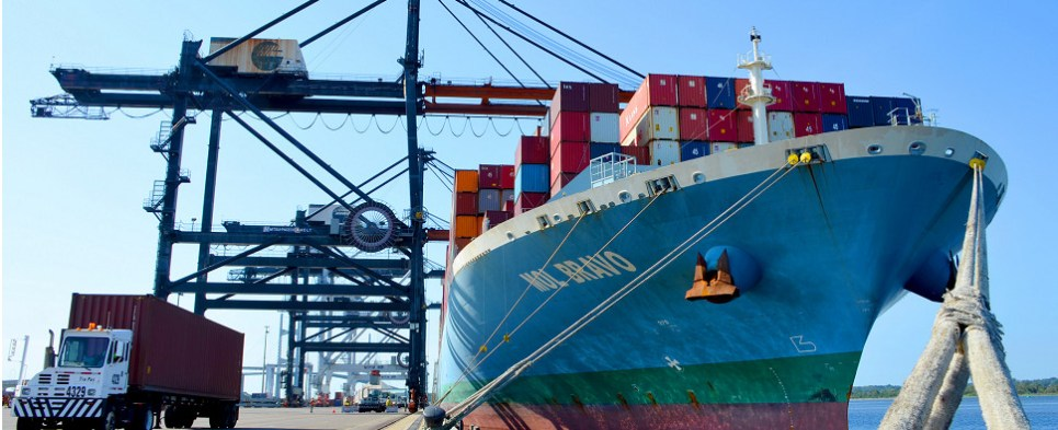 Jxport is handling more shipments of export cargo and import cargo in international trade.