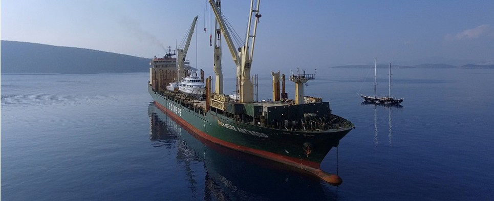 Rickmes carries shipments of export cargo and import cargo in international trade.