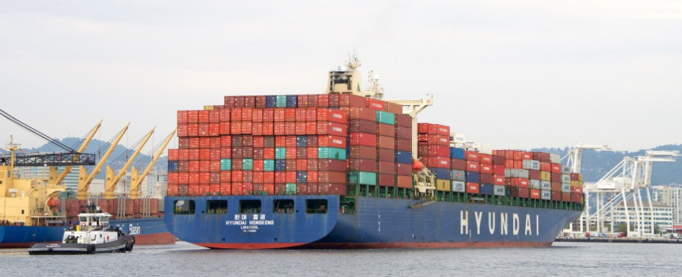 HMM is endeavoring to carry more shipments of export cargo and import cargo in international trade.