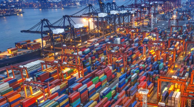 Shipments of export cargo and import cargo in international trade need automated payment processes.