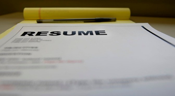 How to write a resume for jobs that involve managing shipments of export cargo and import cargo in international trade.