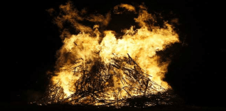 daughter jumps funeral pyre