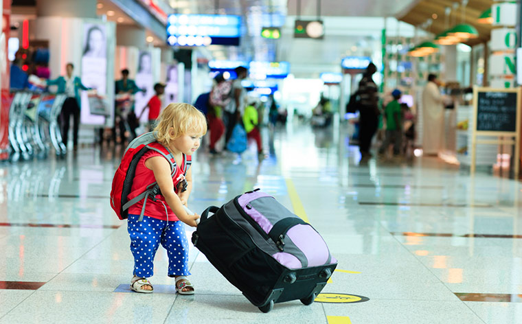 5  Survival Tips for Travelling Long Flights With Kids