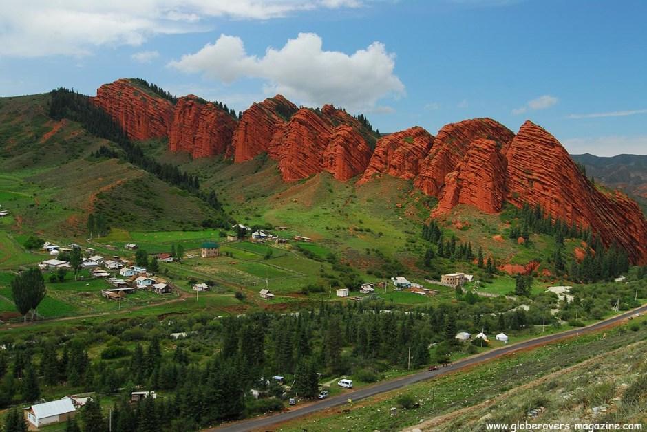 Rocks near Jeti-Oguz or Jeti-Ögüz, Kyrgyzstan