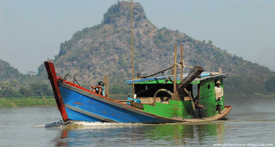Boat trip from Mawlamyaing to Hpa-An, Myanmar
