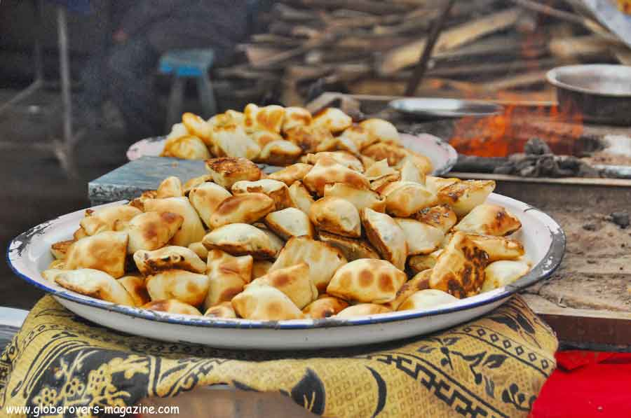 Xinjiang-China-Uyghurs--food-Globerovers Magazine